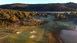 Stay & Play - The Eastern Golf Club (17th Hole) & Yering Gorge Cottages